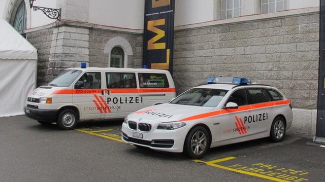 Polizeiautos.