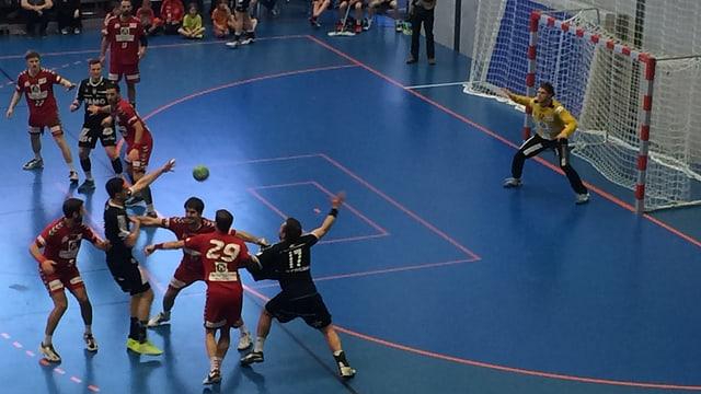 Handballspieler auf dem Feld