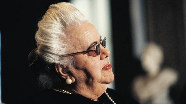 Eine Frau im Altersheim in Mailand.