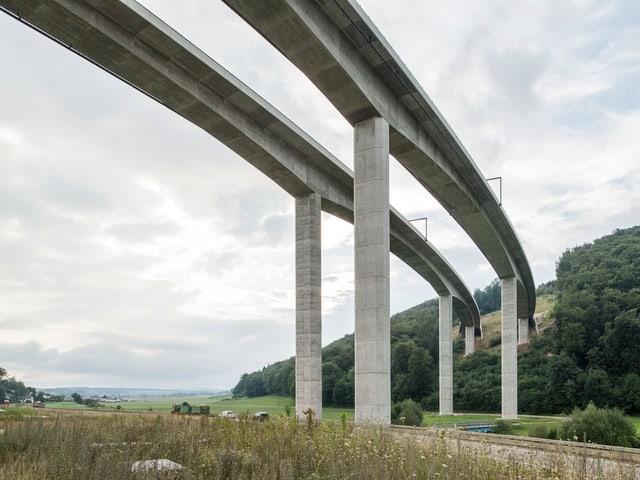 Viaduct en il vest da Porrentruy (Giura)