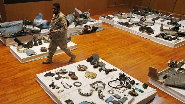 Militär und Materialien
