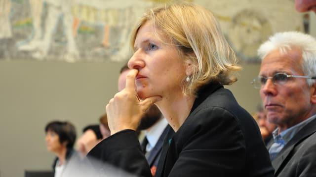 La deputada da la PS Sandra Locher Benguerel vul dapli daners per la promoziun da la cultura.