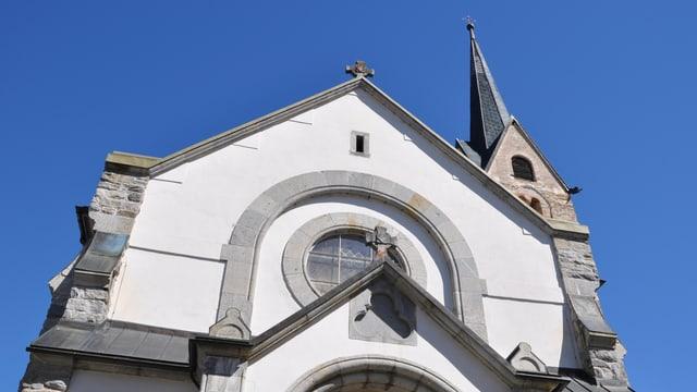 La baselgia parochiala S. Peder e Paul a Meierhof.