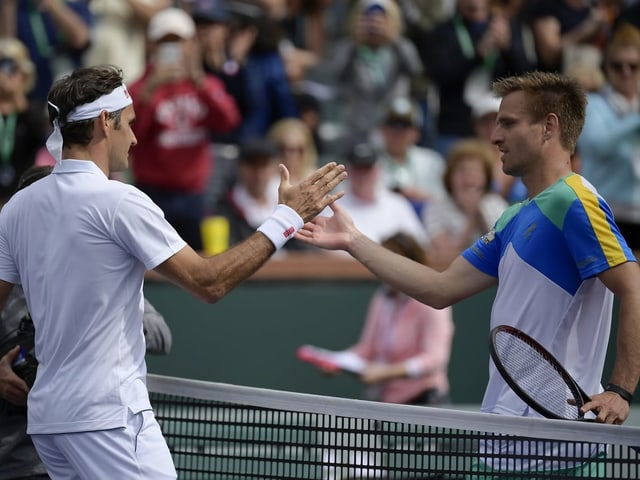 Roger Federer und Peter Gojowczyk in Indian Wells.