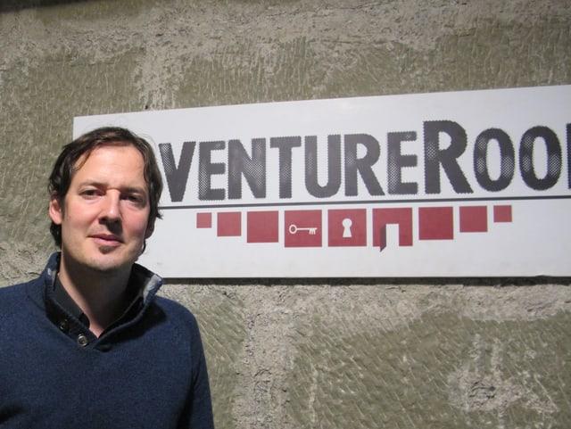 Erfolgsverwöhnt: Gabriel Palacios in seinem Adventure Room in Bern