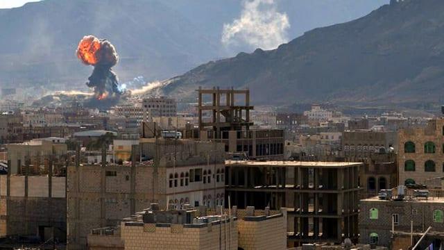 Feuerball über der Stadt Saana