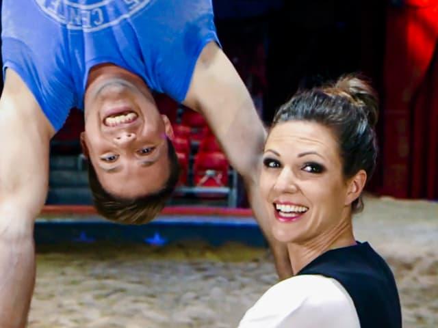 Viola besucht und Akrobat Jason Bruegger im Zirkus.