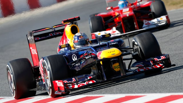 Fernando Alonso kann Sebastian Vettel auch juristisch nicht überflügeln.