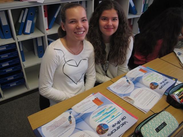 Dina und Anja: «Spielerisch Französisch lernen ist cool, aber wir wollen einen Satz auch richtig sagen können.»