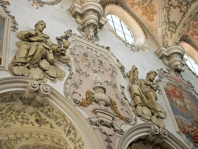 Die Kirche St. Georg von innen.