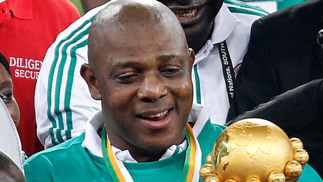 Stephan Keshi freut sich über den Afrika-Cup, Ärger gab es offenbar mit den Funktionären.
