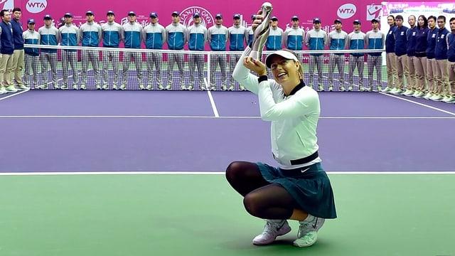 Maria Scharapowa mit dem Siegerpokal