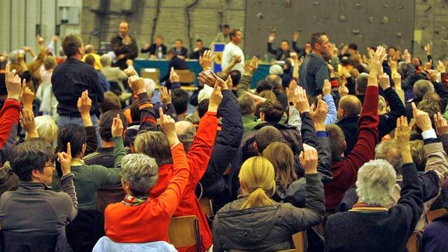 Abstimmung an einer Gemeindeversammlung
