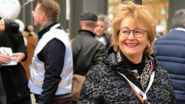 FDP-Politikerin Barbara Angelsberger lacht.