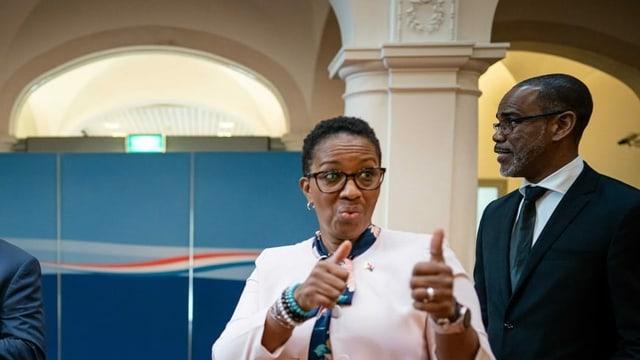 Silveria Jacobs, Regierungschefin von Sint-Maarten, einem kleinen Land in der Karibik.