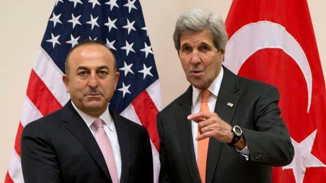 Ihre ohnehin schon angeschlagene Beziehung wird nun noch mehr getrübt: Cavosoglu und Kerry (Archiv).