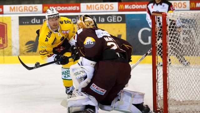 Schweiz Eishockey Playoff Servette Bern