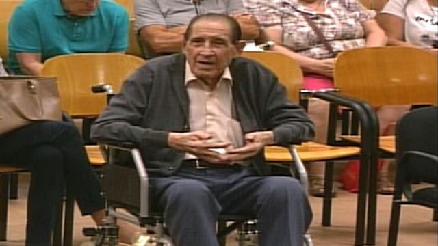 Frauenarzt Eduardo Vela.
