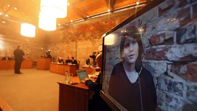 Das «Pussy Riot»-Bandmitglied Yekaterina Samutsevich während einer Videoaufnahme in Raus «Moskauer Prozesse».