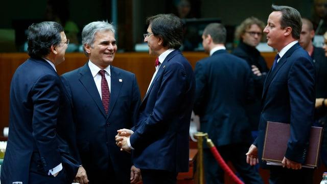 Werner Faymann mit seinen EU-Regierungsfreunden in Brüssel.