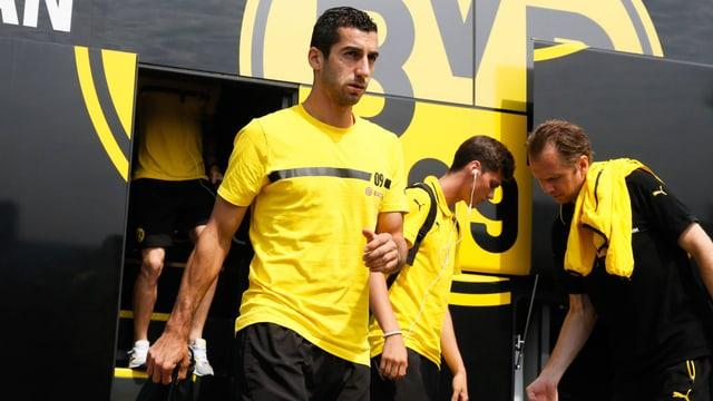 Mkhitaryan steigt aus Teambus