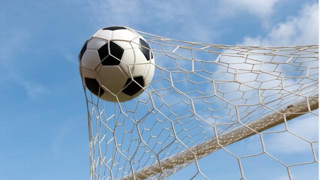 Fussball im Tornetz