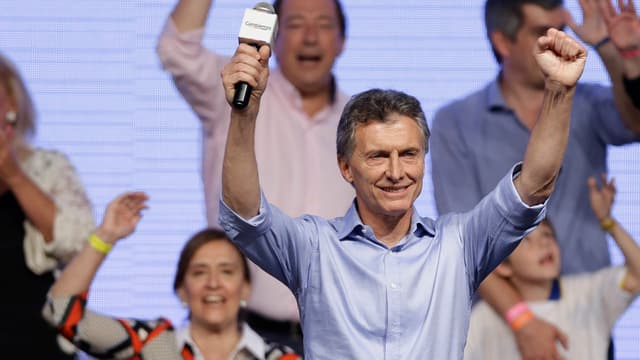 Mauricio Macri sa legra vesiblamain da sia victoria electorala.