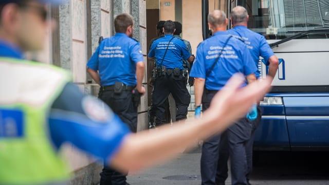 policists da davostiers