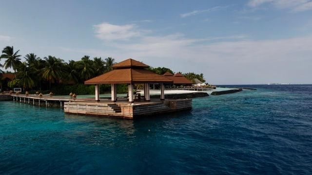 Ein Strandbild von den Malediven.