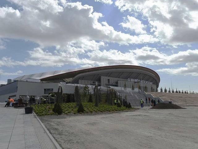 Blick von aussen auf das Stadion.