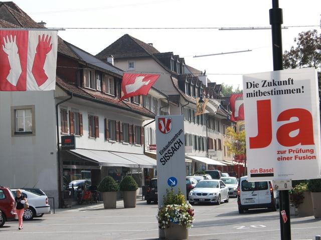 Begegnungszone mit Flaggen
