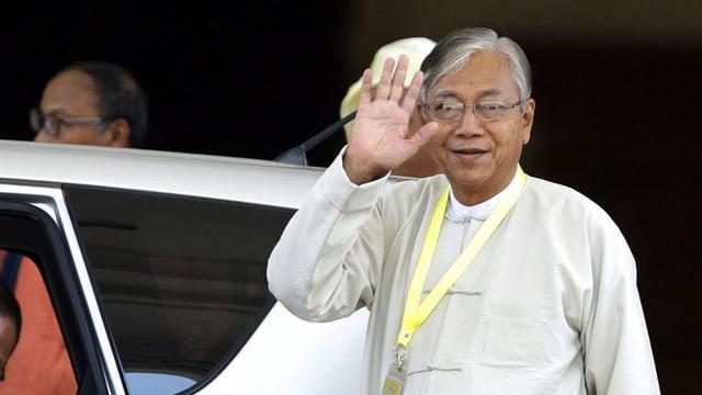 Il nov president civil dal Myanmar Htin Kyaw.