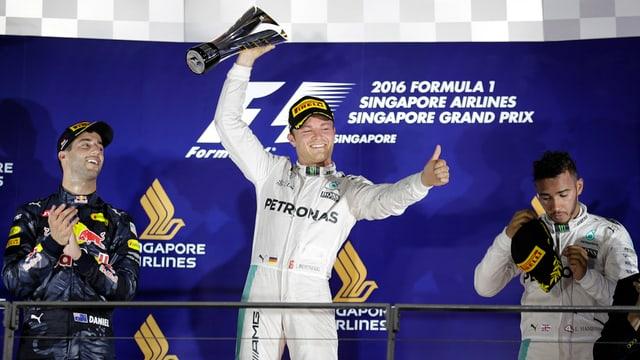 Nico Rosberg, Danile Ricciardo e Lewis Hamilton.