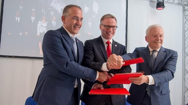 Renato Mazzoncini, Andreas Meyer und Rüdiger Grube während einer Pressekonferenz.