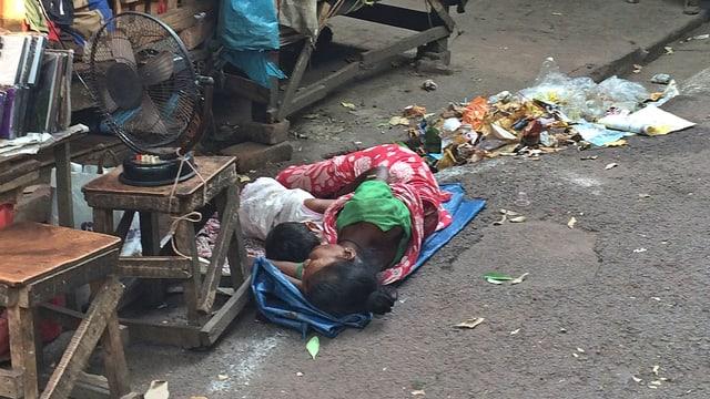Video ««Old Burma Road» – Von Darjeeling nach Kolkata» abspielen