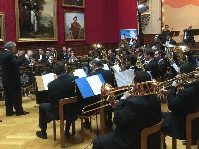 Brass Band an Konzert in nobler Halle.