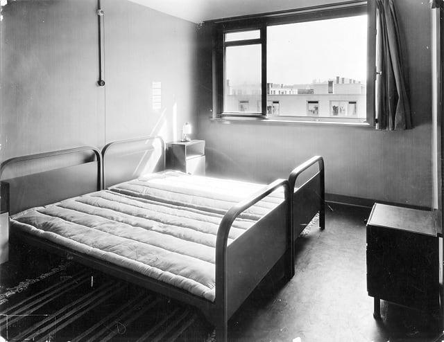 Historisches Foto vom Elternschlafzimmer.