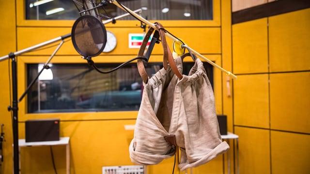 Schwingerhose im Hörspielstudio