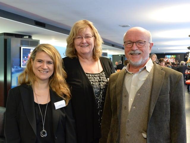 Tanja Reusser, Esther Schönmann und Rolf Geiser stehen nebeneinander.