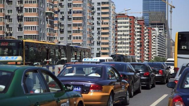 Ina colonna d'autos a Peking.
