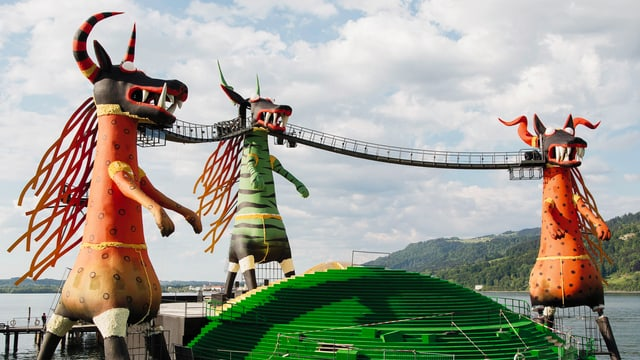 Video ««Zauberflöte» in Bregenz: das Opernspektakel in voller Länge» abspielen