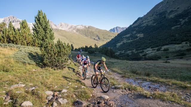 Bikers en Val S-charl.