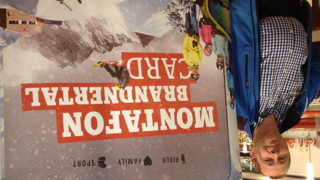 Erich Fritz von der Skiregion Montafon wirbt in St. Gallen um Schweizer Gäste.