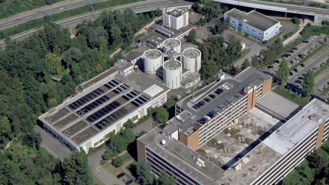 Luftbildaufnahme von der ARA Neugut in Dübendorf.