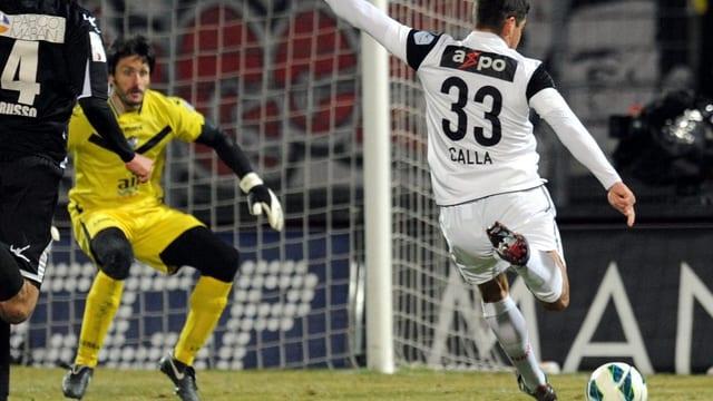 Fussballer schiesst auf Goal