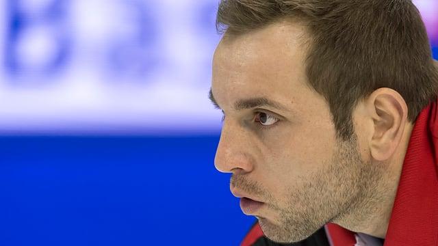 Sven Michel, il skip da l'equipa da curling svizra