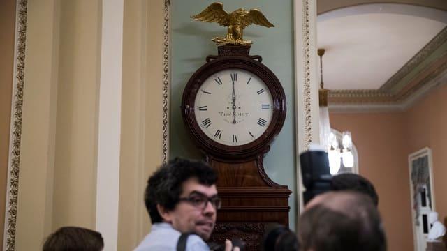 Die «Ohio Clock» ausserhalb der Senatskammer im Kapitol zeigt Mitternacht.