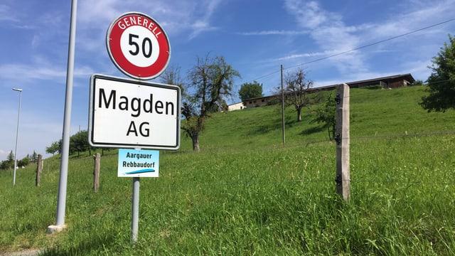 Ortstafel der Gemeinde Magden,