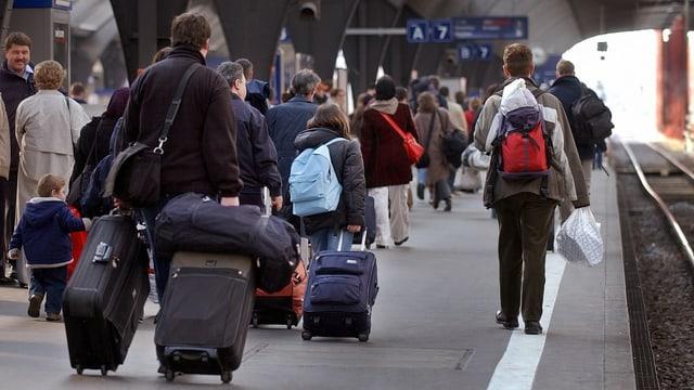 Turists cun coffers.