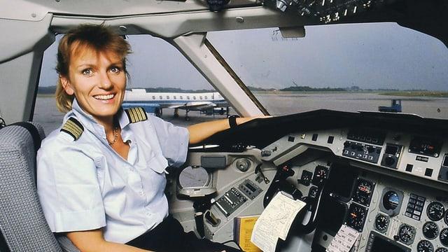 Regula Eichenberger im Cockpit